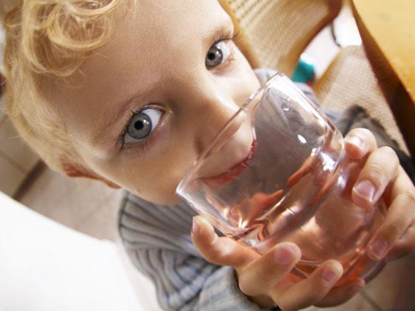 kiszáradás tünetei csecsemőknél)