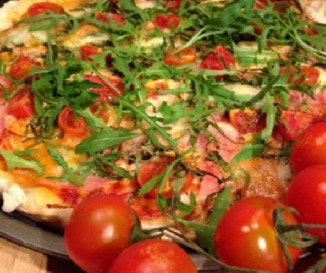 Sonk�s mozzarell�s rukkol�s pizza