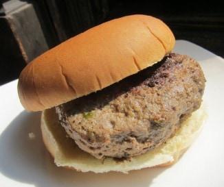 �gy ette a hamburgert Ernest Hemingway: �me az eredeti recept!