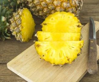 Az anan�sz zs�r�get� gy�m�lcs vagy tilt�list�s, mert hizlal? A dietetikus v�laszol!