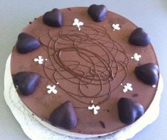 Ilyen finomat még nem ettél: mennyei narancsos csokitorta - sütés nélkül!