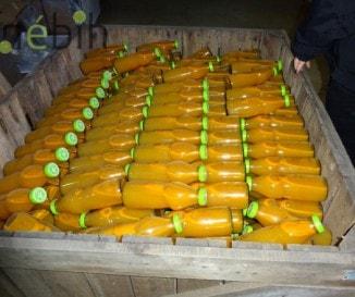 100 ezer liter lejárt és többször átcímkézett almalevet foglalt le a Nébih