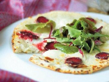 Céklás-kéksajtos pizza