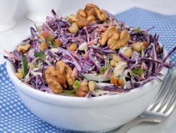 Joghurtos-káposztás saláta