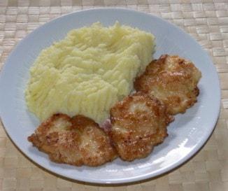 Csirkemell lágy krumplipürével