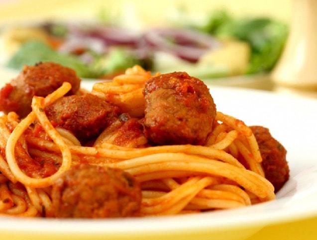 13 isteni húsgombóc: spagettivel, rántva vagy akár levesbe..