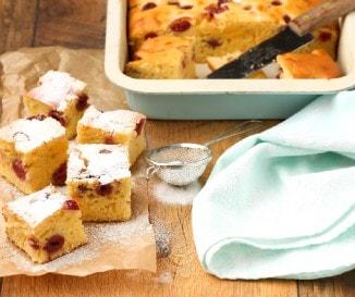 Villámgyors meggyes bögrés süti