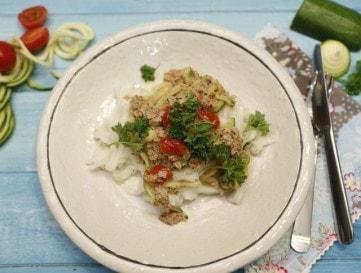 Gyors tésztavacsora egészségesen: paradicsomos-tonhalas rizstészta - VIDEÓ!