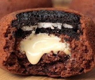 Fordított oreós muffin fehér csokival töltve: villámgyors és elronthatatlan