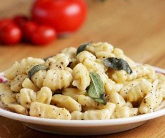 A legfinomabb olasz krumplinudli: zsályás gnocchi egyszerűen