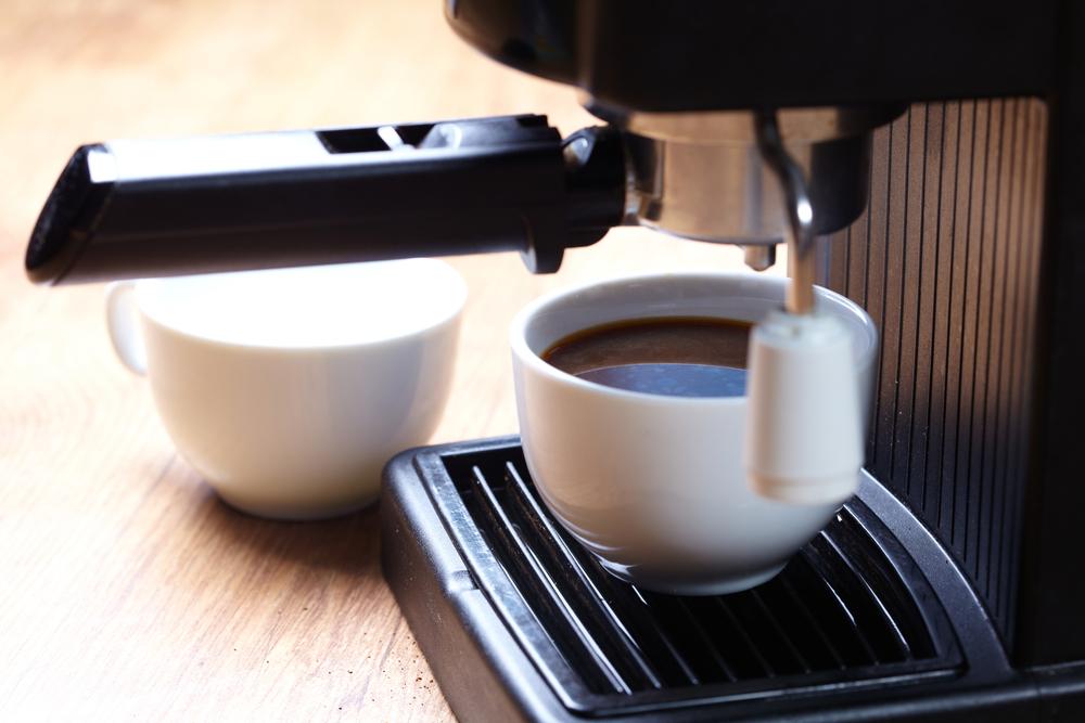 Milyen gyakran kell tisztítani a kávéfőzőt? Tele van