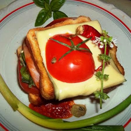 Receptjeim a Mindmegette ajánlásával: Sonkás-sajtos melegszendvics, Olasz melegszendvics és még 2 receptem